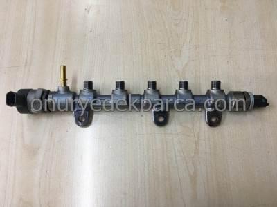 Renault Laguna 3 Latitude Koleos 2.0 Dci M9R Yakıt Rampası Dağıtıcı 175217750R 0445214250 226706711R 8200703127 8200610770