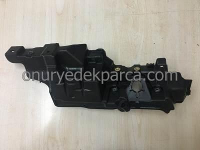 Clio Symbol Megane Fluence Duster 1.5 Dci Yakıt Rampası Muhafazası 175B15400R 175B11122R 175B17398R