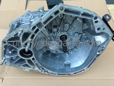Dacia Duster 1.5 Dci 110 BG 4x4 Şanzıman TL8005 320103603R 320106944R 8201057489