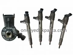 166007427R 0445110800 Dacia Lodgy Dokker 1.5 Dci Adblue Enjektör